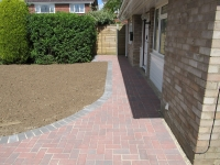 Norwich-brickweave-path-brick-paving
