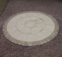 Patio-circle-Norwich-Norfolk-brick-paving